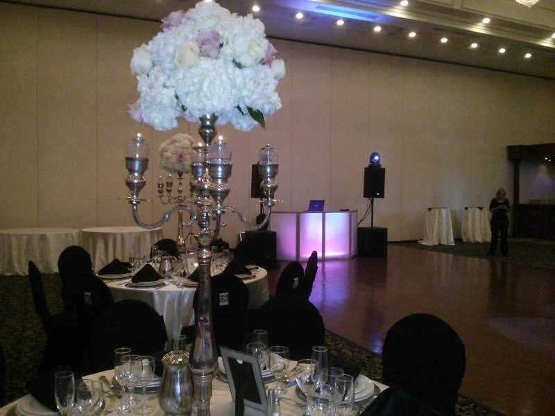 Toronto DJ Wedding & Corporate. Serving Toronto, Mississauga, Hamilton Vaughan, Guelph & GTA